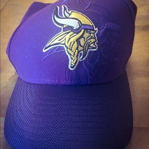 NWOT New Era Minnesota Vikings Hat 7 3/8
